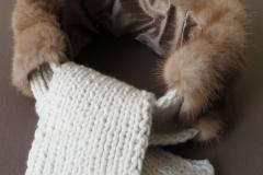 Pelz-Kragen Nerz beige mit Strickschal