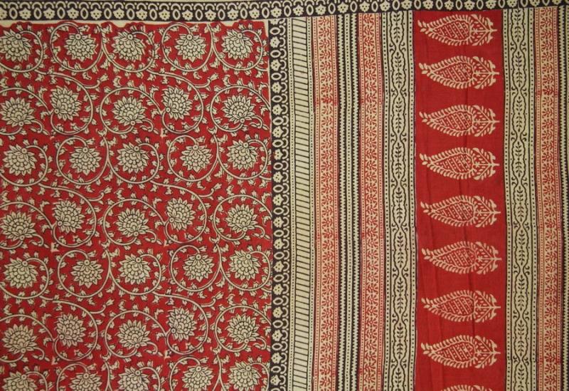 Indisches Tuch, Lotusblüten mit breiter Bordüre