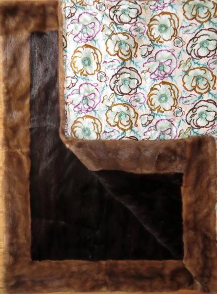 Nerzmurmel-Decke mit Nerzrand