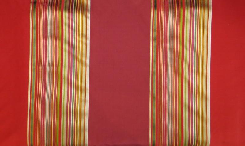 Streifen in rot und bunt